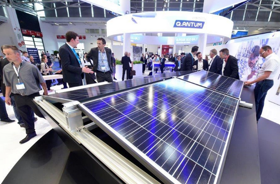Intersolar Europe et les manifestations parallèles auront lieu du 20 au 22 juin 2018 à la Messe München sous le pavillon The smarter E Europe. ©Photo : Solar Promotion GmbH
