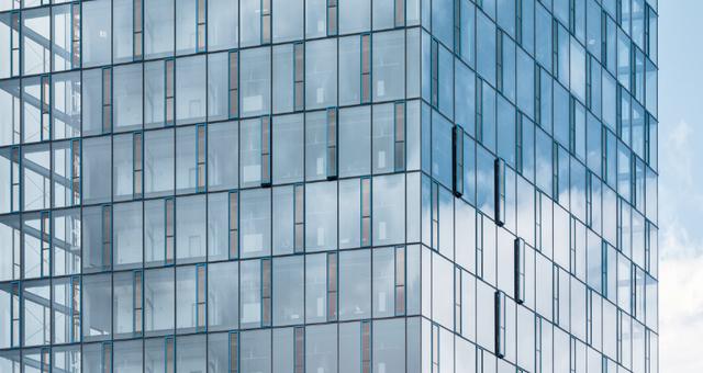 Glasfassade  Moderne Glasfassaden: Klimasteuerung und Energieproduktion ...